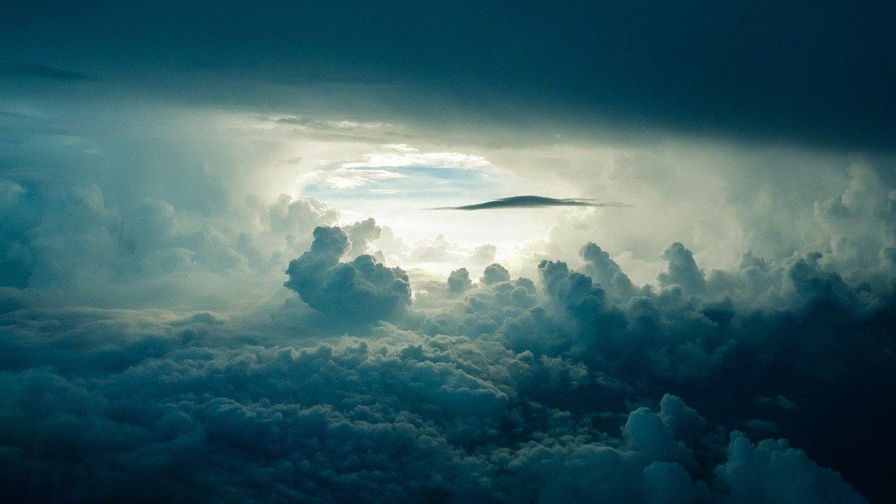 Al centro del ciclone, la pace